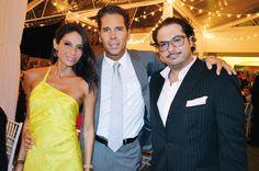 Yadira y Roberto Palazuelos, Marco Polo Constandse. En la boda de Camilo Cámara y Paulina Salinas.