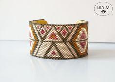 Bracelet Manchette ,Géométrique, Tissée Miyuki rocaille doré beige corail ELINA, Lily.M : Bracelet par lily-m