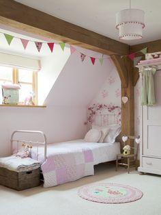 Border Oak - Perfect little girl's room.