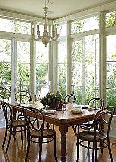breakfast room - love the windows