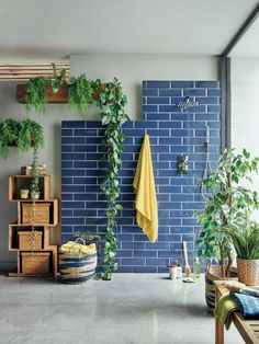 Looking to renovate your bathroom? Discover the Top 5 Bathroom Trends for 2020 before your choose your design says Interior Stylist Maxie Brady Industrial Home Offices, Industrial House, Bathroom Inspiration, Home Decor Inspiration, Bathroom Interior Design, Interior Decorating, Open Plan Bathrooms, Bathroom Trends, Bathroom Ideas