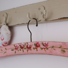 Old wood hangers to shabby chic