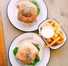 Have a burger for breakfast if you would like we won't judge it's the holidays. Captured at @thebottleofmilk a short walk from the Cumberland by @travel_eats_treats_and_cheats.  #cumberlandlorne #lorne #lornebeach #greatoceanroad #roadtrip #explore #holiday #foodies #bottleofmilk by cumberlandlorne