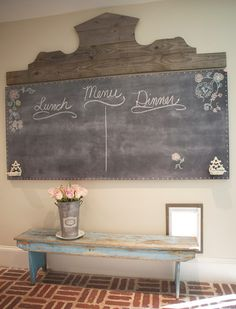 Okay this is a DIY: French Farmhouse Chalkboard Tutorial but shouldn't every English cottage home have a little French influence. Awesome project made salvaged wood for the header & a chalkboard painted hollow core door. Muebles Shabby Chic, Estilo Shabby Chic, French Farmhouse, Farmhouse Decor, Farmhouse Bench, French Country, Home Interior, Interior Design, Design Design