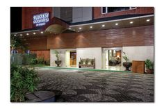 A fabulous entryway leads you in to the wonderful world of luxury that lies within Country Inn & Suites By Carlson, Ahmedabad!