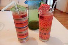 Zitronen-Himbeer-Limonade - Rezept Voss Bottle, Water Bottle, Drinks, Desserts, Food, Juice, Sodas, Watermelon, Raspberries