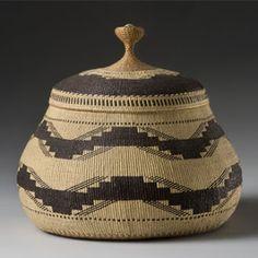 Elizabeth Hickox basket, with cut wood mark circa 1913, 23.0 cm high.