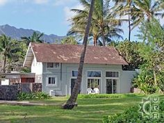 White Sand Beach of Waimanalo, Vacation Rental in Waimanalo North Shore Oahu Hawaii USA Private Home Oahu Vacation Rentals, Vacation Rental Sites, North Shore Oahu, Hawaii Usa, White Sand Beach, Ideal Home, Beach House, House Styles, Travel
