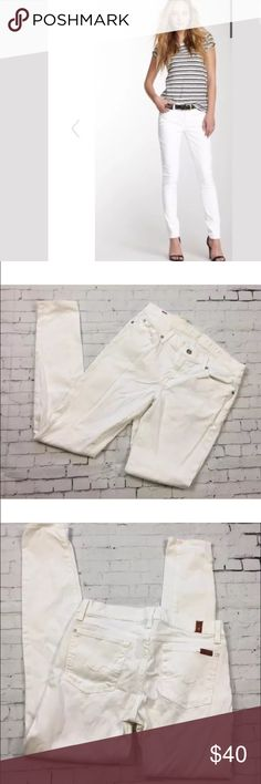 """7 For All Mankind White Gwenevere Skinny Jean 7 for All Mankind gwenevere skinny in white. Size 29. Excellent gently used condition. 30"""" inseam. 7 For All Mankind Jeans Skinny"""