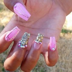 Pin by shannon blanco on nail stuff ногти, макияж Bling Nails, Stiletto Nails, Swag Nails, Coffin Nails, Sparkle Nails, Acrylic Nails, Love Nails, How To Do Nails, Fun Nails