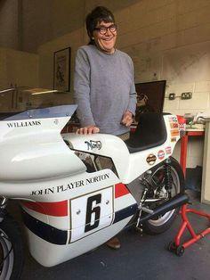 Norton Motorcycle, Motorcycle Racers, Racing Motorcycles, British Motorcycles, Vintage Motorcycles, Norton Commando, Classic Bikes, Road Racing, Hot Shoes