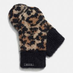 Coach Wild Beast Mitten ($175) ❤ liked on Polyvore featuring accessories en beige