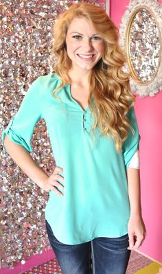 Dandy Essential Top in Mint // The Dandy Lion Boutique // Fall Style // Fall Wardrobe // Boutique Clothing // New Arrivals