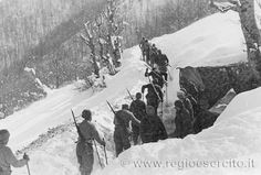 Pattuglia di soldati italiani.