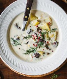 Krémové polévky jsou velmi oblíbené. Jejich hladivá struktura je zvláště v zimě vyloženě příjemná. Struktura, Cheeseburger Chowder, Toast, Soup, Fresh, Soups