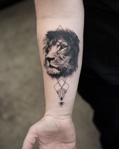 amazing lion head tattoo idea by @trudy_nyc