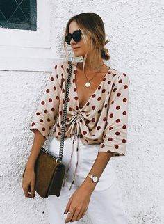 Fabulous Chic Spring Outfit Ideas With Street Style Look Fashion, Trendy Fashion, Fashion Outfits, Womens Fashion, Fashion Trends, Fashion Black, Ladies Fashion, Travel Outfits, Queer Fashion