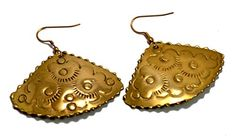 A Pair of Indian Hand Carved Brass Metal Traditional Boho Hippie Earrings Aife_719 Krishna Mart India http://www.amazon.com/dp/B00MIZI8Y0/ref=cm_sw_r_pi_dp_6kqJvb0JCQY3K