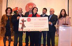 Luz Casal entrega 70.000 euros al Banco de Alimentos de la recaudación del Festival de la Luz 2013 de Boimorto.
