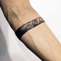 40 kleine detaillierte Tattoos für Männer - coole komplexe Design-Ideen  #coole #design #detaillierte #kleine #komplexe #manner #tattoos