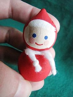 Sweden-Swedish-Modern-Wood-mini-Tomte-or-Santa-with-Scarf-Handmade-Red-White