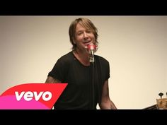 This man just keeps getting better and better! Sexier and sexier! So unbelievably great this is and how talented he is! Does he ever age? Keith Urban - John Cougar, John Deere, John 3:16 - YouTube