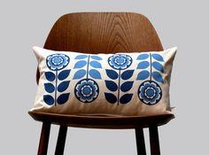 Scandinavian Retro flower 1970 blue folk Cushion por gunnaydri, $26.00