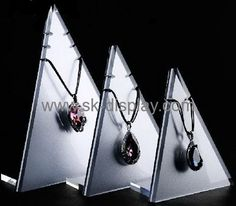Triangle lucite jewellery display stand for necklace JD-054