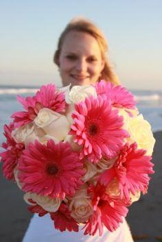 Google Image Result for http://3.bp.blogspot.com/_U56yhynHDXY/S8MUH0VenxI/AAAAAAAAAQg/lYmRz0GQjbg/s1600/pink-gerbera-bouquet-wedding-white-roses.JPG
