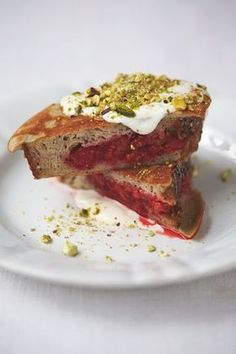 Berry Pocket Eggy Bread with Pistachios, Yoghurt, Honey & Cinnamon from Jamie Oliver's book Everyday Super Food. Pistachios are super-high in the mineral chloride, which our bodies need to make hydrochloric acid in the stomach, in turn aiding good digestion and keeping our gut happy!