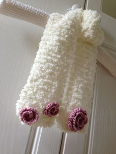 Sophie children's scarf knitted with crochet flowers