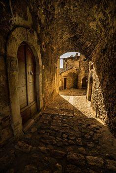 La Porta by Cesare Oppo