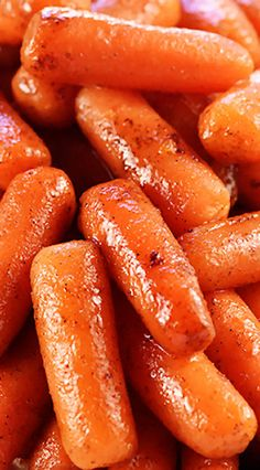 Looking for some easy, healthy, cheap recipes that are delicious and may even impress a crowd? Some inexpensive recipe ideas to get you started. Balsamic Carrots, Carrots Healthy, Honey Roasted Carrots, Cooked Carrots, Glazed Carrots, Instant Pot Pressure Cooker, Pressure Cooker Recipes, Pressure Cooking, Pressure Pot