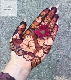 a henna industry trend-setter. Nobody does it like Rose Mehndi. With layered florals and multi-toned designs, she combines modern elements of henna design with a touches of classic East Indian henna motifs. A uniqe, one-of-a-kind artist. Peacock Mehndi Designs, Stylish Mehndi Designs, Mehndi Design Pictures, Wedding Mehndi Designs, Beautiful Henna Designs, Latest Mehndi Designs, Mehndi Designs For Hands, Henna Tattoo Designs, Mehndi Images