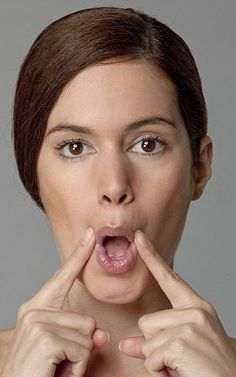 12 Yoga Exercises For Slimming Your Face 14 Face Exercises For A Happy Smile: There are some very simple facial exercises that reduce the appearance of wrinkles and gives you a younger looking face. Yoga Facial, Facial Muscles, Face Facial, Exercise Fitness, Sport Fitness, Excercise, Visage Plus Mince, Thinner Face, Lip Wrinkles