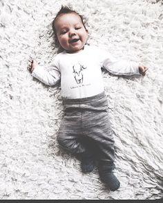 Langemann er 10 uker i dagTenk at det hele tiden var du som lå i magen min   #10weeksold #Felix_Alexander #babyboy #babyfoto #babyfashion #welcometotheworld #newbie #hustandclaire #l4l #kidsinspo #kidsfashion  #kidswear @mini.stil