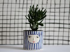 Navy cache-pot with face - ceramic container - blue stripes Face Planters, Flower Planters, Flower Pots, Planter Pots, William Morris, Ceramic Mugs, Ceramic Pottery, Air Plant Display, Pottery Gifts