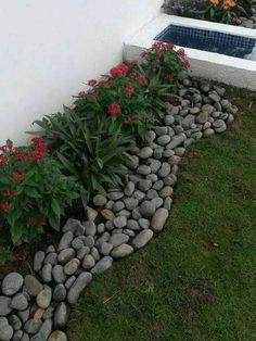 Beautiful Garden Landscaping Design Ideas 20 #landscapingdesignideas #gardeninglandscaping