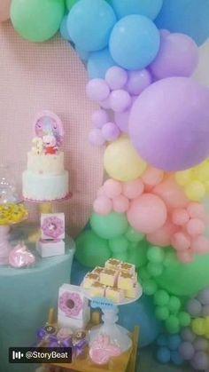Candy Theme Birthday Party, Pig Birthday Cakes, Little Pony Birthday Party, Girl Birthday Decorations, 2nd Birthday Parties, Fiestas Peppa Pig, Peppa Pig Balloons, Peppa Pig Party Ideas, Candy Themed Party