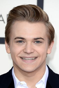 Everyone At The Grammys Looked Like Your Childhood Toys! Hunter Hayes = Ken doll. Grew up in the 90s. #funny #celebs #grammys