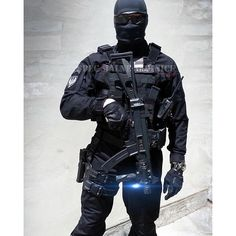 Military Police, Military Weapons, C Ops, Body Armor, Swat, British Army, Special Forces, Law Enforcement, Armed Forces