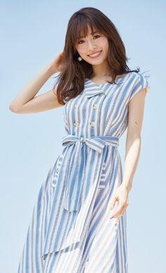 泉里香 Japanese Fashion, Korean Fashion, Office Fashion, Women's Summer Fashion, Gorgeous Women, Beautiful, Cute Girls, Summer Outfits, Short Sleeve Dresses