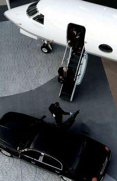 #FlyingwiththeRichandFamous #fromtheflightattendantwhoflewwiththem Gulfstream G500 Private jet