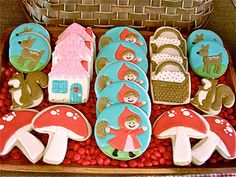 omg - little red riding hood cookies - so cute.