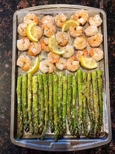 This sheet pan shrimp and asparagus recipe is amazing! So quick and easy, tastes delicious and healthy too! This is a perfect sheet pan keto dinner! #sheetpan