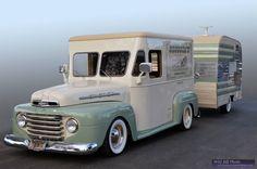 Let's Go Camping! - Outdoor Camping Tips Vintage Rv, Vintage Caravans, Vintage Travel Trailers, Vintage Trucks, Antique Trucks, Vintage Bags, Cool Campers, Retro Campers, Camper Trailers