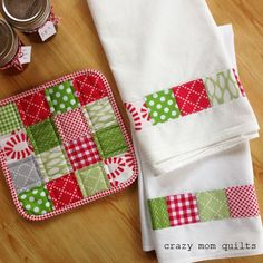 Patchwork tea towel and pot holder - by Crazy Mom Quilts Sewing Hacks, Sewing Tutorials, Sewing Crafts, Sewing Tips, Sewing Ideas, Diy Crafts, Basic Sewing, Sewing Lessons, Craft Tutorials