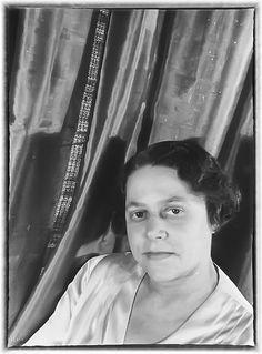 Mrs James Weldon Johnson - December 3, 1932 Harlem Renaissance, James Weldon Johnson, Bauhaus, Black History, Vintage Photos, December, Art Deco, Van, People