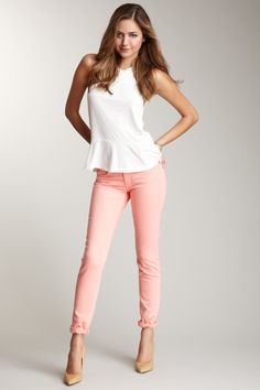 DOMINO Kochi Colored Low Rise Skinny Jean - love this gorgeous pink jean! Summer Outfits, Casual Outfits, Cute Outfits, Fashion Outfits, Modest Outfits, Fasion, Fashion Dolls, Peach Jeans, Looks Street Style
