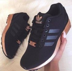 Adidas Women Shoes - Tênis Adidas preto e ouro rosê Adidas Women's Shoes - - We reveal the news in sneakers for spring summer 2017 Women's Shoes, Cute Shoes, Me Too Shoes, Shoe Boots, Black Shoes, Shoes Style, Shoes Sneakers, Black Adidas Shoes, White Sneakers
